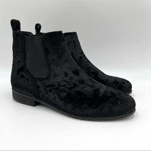 Urban Outfitters black velvet Chelsea boots 9